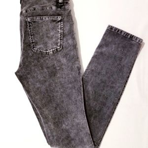 **CLEARANCE**Eileen Fisher Acid Wash Jeans (26x31)